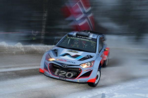 WRC-2014-SUEDE-Thierry-NEUVILLE-HYUNDAI-i20-WRC-photo-Jo-LILLINI