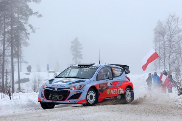 WRC-2014-SUEDE-la-HYUNDAI-i20WRC-HANNINEN-et-TUOMINEN-photo-Jo-LILLINI