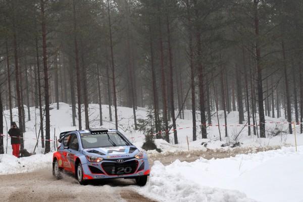 WRC-2014-SUEDE-la-HYUNDAI-i20WRC-de-HANNINEN-et-TUOMINEN-photo-Jo-LILLINI