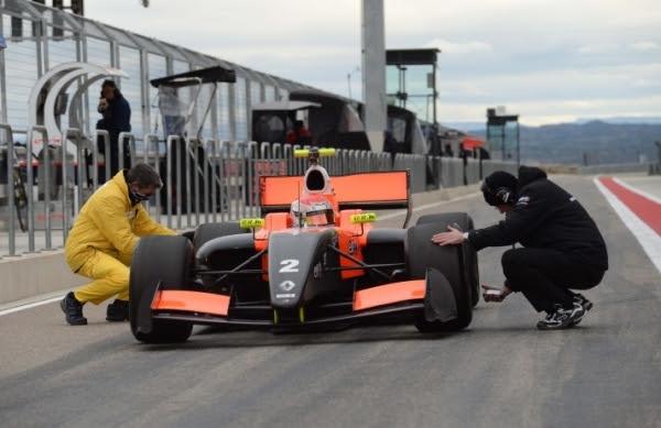 WSR 2014 Team TECH 1 Marco SORENSEN en essai.