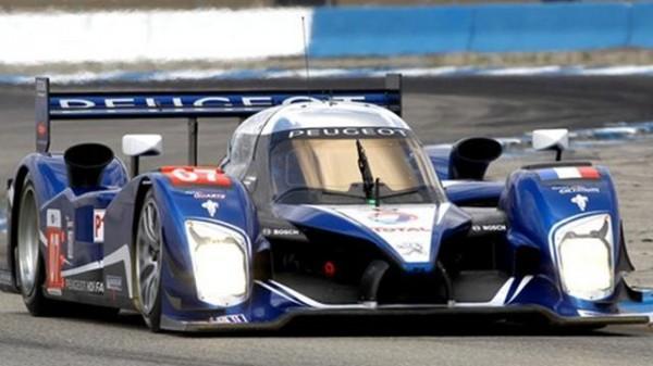 24-HEURES-DU-MANS-2009-La-Peugeot-908-victorieuse-avec-Marc-Géne