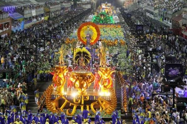 CARNAVAL-DE-RIO-2014-Hommage-AYRTON-SENNNA