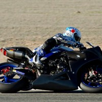 ENDURANCE-MOTO-2014-GMT94-Yamaha-R1-Michelin-2014-en-test-a-Albacete-avec-David-Checa