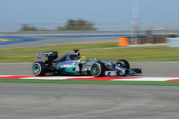 F1-2014-BAHREIN-Mercedes-Lewis-Hamilton