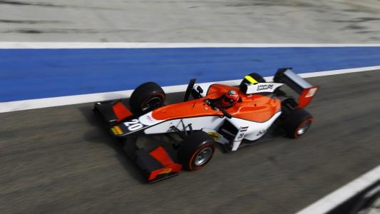 GP2-2014-Test-sur-le-circuit-de-LOSAIL-a-BAHREIN-De-JONG