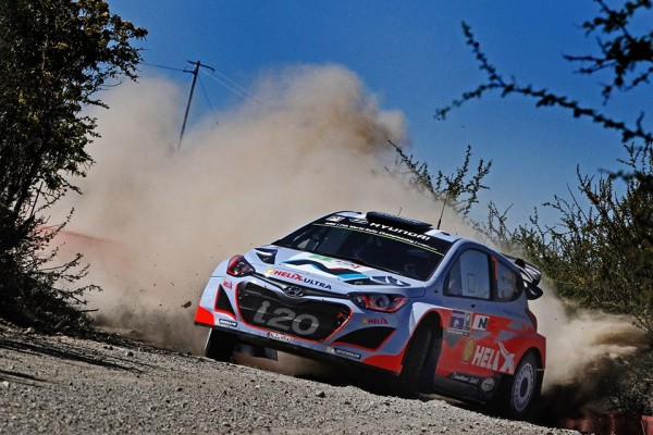 RALLYE DU MEXIQUE - La HYUNDAI  i20 WRC de Thierry NEUVILLE - photo Team