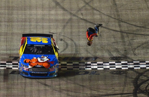 NASCAR-2014-BRISTOL-Victoire-de-CARL-EDWARDS.