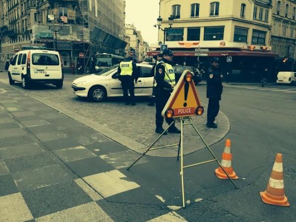 POLUTTION CONTROLE POLICE A PARIS