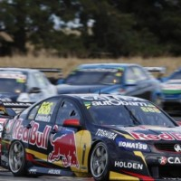 V8-SUPERCAR-2014-TASMANIE-La-HOLDEN-RED-BULL-TRIPLE-EIGHT-de-Craig-LOWNDES.