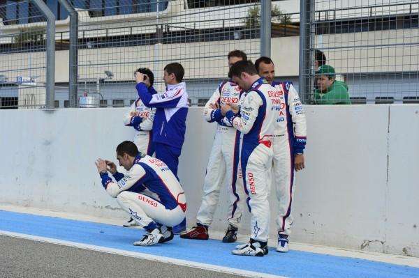 WEC-2014-Presentation-Team-TOYOTA-Circuit-Paul-RICARD-Jeudi-27-Mars-Quelques-minutes-de-décontraction-pour-les-pilotes-Photo-Max-MALKA