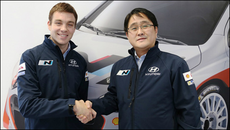 WRC-2014-Hayden-Paddon-et-Gyoo-Heon-Choi-Président-de-Hyundai-Motorsport
