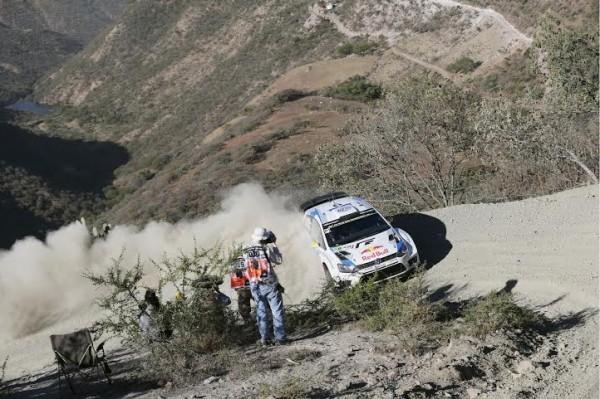 WRC-2014-MEXIQUE-ANDREAS-MIKKELSEN-Photo-TEAM