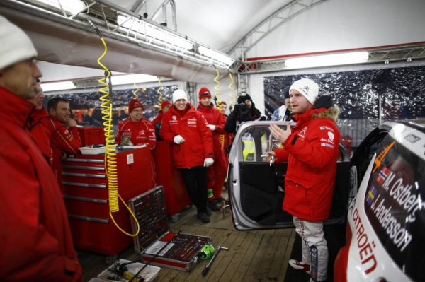 WRC-2014-MEXIQUE-OSTBERG-Assistance-CITROEN-Photo-TEAM