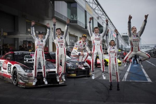 BLANCPAIN-SERIES-2014-les-pilotes-de-la-Nissan-GT-Academy-RJN-GT-R-NISMO-GT3-en-Blancpain-Endurance-Series