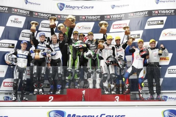 BOL-D-OR-2014-Le-podium-avec-la-victoire-de-laKAWASAKI-devant-la-YAMAHA-GMT-94-et-la-SUZUKI-72