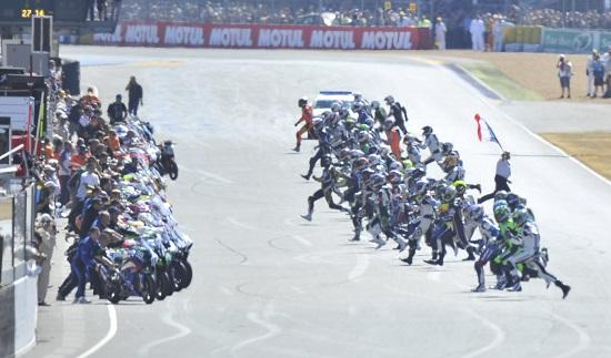 ENDURANCE-MOTO-24-HEURES-DU-MANS-DEPART-2013-Photo-ACO.j