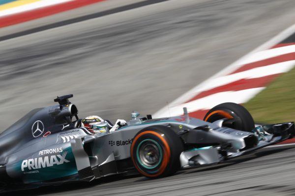 F1-2014-BAHREIN-A-SAKHIR-MERCEDES-de-LEWIS-HAMILTON