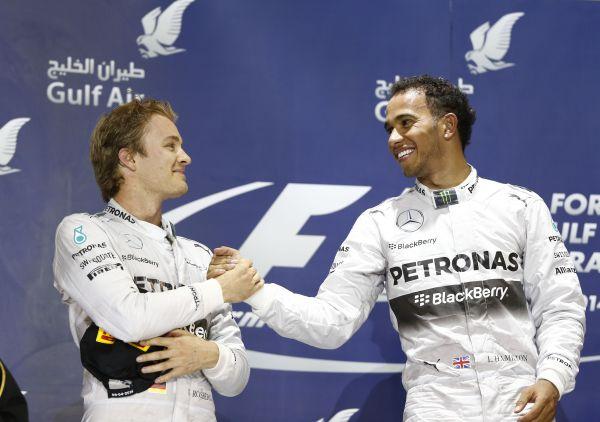 F1-2014-BAHREIN-la-joie-des-pilotes-du-Team-MERCEDES-1ER-ET-SECOND