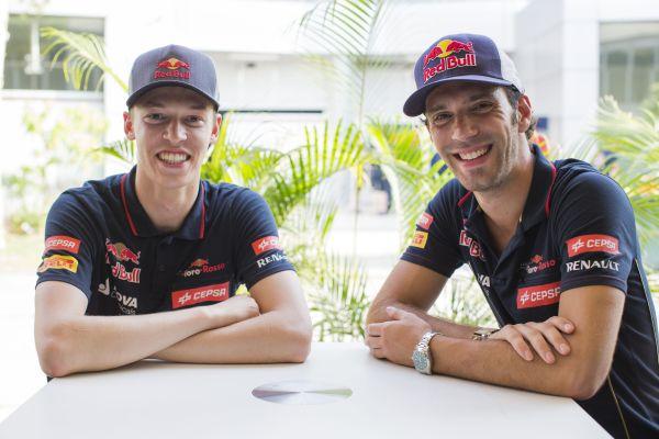 F1-2014-SEPANG-LES-DEUX-PILOTES-TORO-ROSSO-tout-sourire