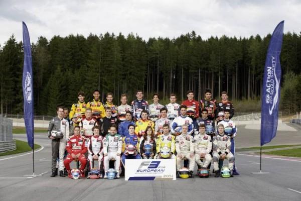 F3-2014-les-pilotes-de-la-saison-posent-a-SILVERSTIONE-le-17-avril-2014.