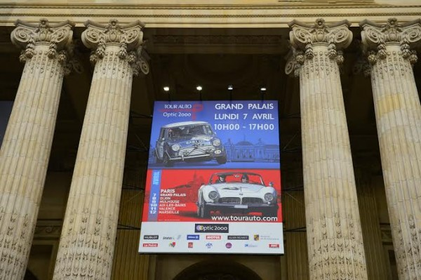TOUR-AUTO-2014-Entree-du-GRAND-PALAIS-a-PARIS-Photo-Max-MALKA
