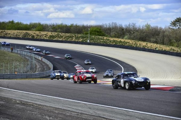 TOUR-AUTO-2014-Les-AC-COBRA-de-Ludovic-CARON-et-dominatrices-de-ce-TOUR-Photo-Max-MALKA