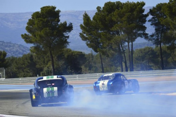 TOUR-AUTO-2014-Les-COBRA-sur-le-circuit-PAUL-RICARD-Photo-Max-MALKA