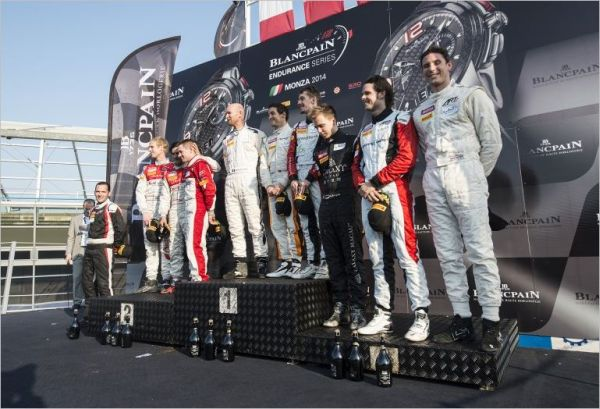 TROPHEE BLANCPAIN 2014 MONZA Le podium avec les pilotes ART GP Victorieux.