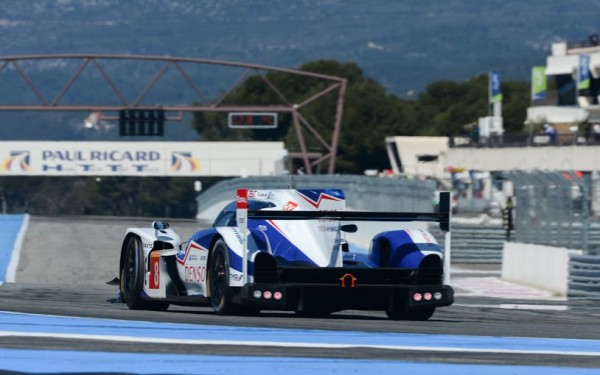 WEC-2014-Le-prologue-au-PAUL-RICARD-le-29-Mars-la-TOYOTA-Num-8-DEVANT-LES-STANDS-Photo-Antoine-CAMBLOR