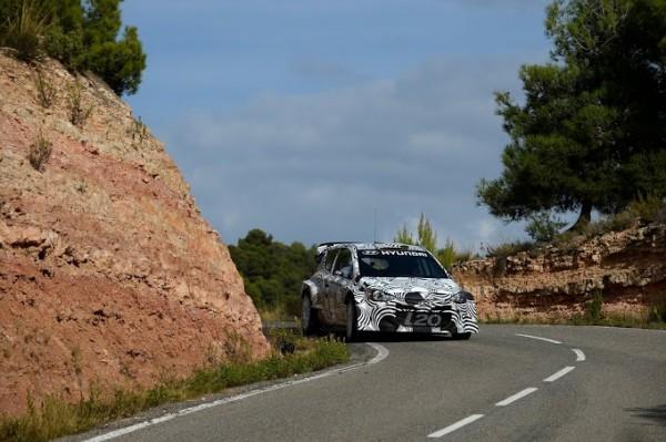 WRC-2013-HYUNDAI-Essais-CATALOGNE-29-octobre-Bryan-BOUFFIER-Test-HUNDAI-I20-WR
