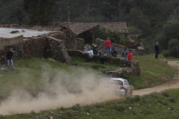 WRC-2014-PORTUGAL-VW-POLO-de-OGIER-Photo-TEAM