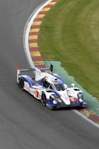 24-H-DU-MANS-2014-Test-a-SPA-Team-TOYOTA-N°8-Photo-Manfred-GIET.
