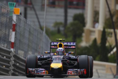 F1-2014-MONACO-La-RED-BILL-RENAULT-de-Daniel-RICCIARDO