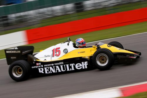 F1- Une RENAULT-F1-TURBO avec Romain GROSJEAN au volant
