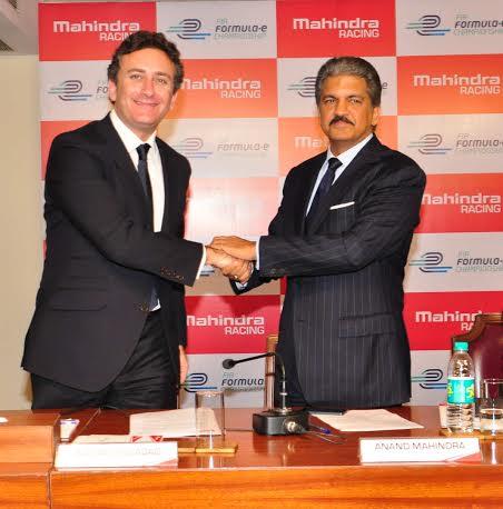 FORMULE E Alejandro Agag CEO of Formula E Holdings en compagnie de Anand Mahindra