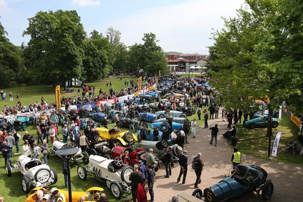 GP-DE-LYON-2014-regroupement-à-Brignais-HAASE-Classic-Photo
