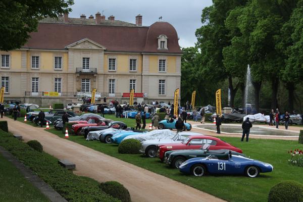 GP-DE-LYON-2014-une-partie-du-parc-fermé-au-Château-Lacroix-Laval-HAASE-Classic-Photo