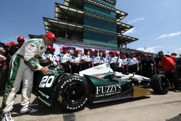 INDYCAR-2014-500-MILES-INDIANAPOLIS-TEAM-CARPENTER-apres-la-pole-de-ED-CARPENTER.