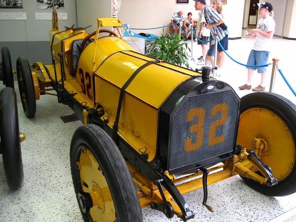 INDYCAR-LA-MARMON-victorieuse-de-la-1ére-édition-des-500-Miles-a-ONDIANAPOLIS-en-1911