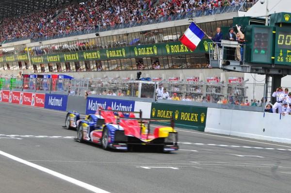 Le Prsident de FERRARI  Luca Cordero di MONTEZEMOLO donnant le départ des 24 Heures du Mans 2009
