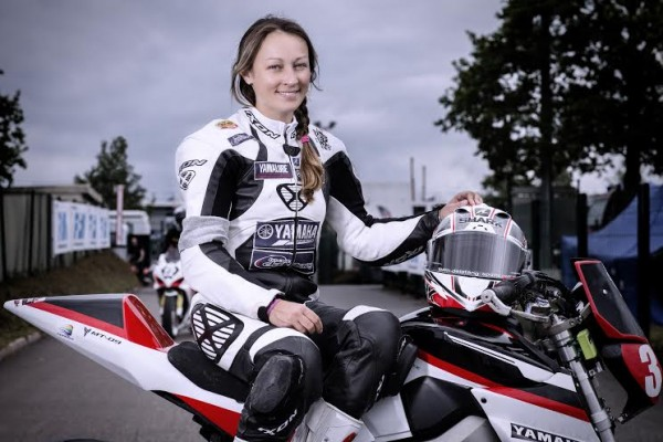 STAGE-MOTO-FEMININ-AU-PAUL-RICARD-BARBARA-COLLET.