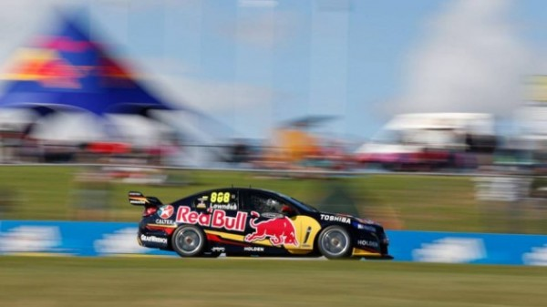 V8-2014-PERTH-A-BARBAGALLO-CRAIG-LOWNDES-1er-Course-2