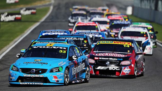 V8-2014-PERTH-A-BARBAGALLO-SCOTT-McLAUGHLIN-1er-Course-1-avec-sa-VOLVO