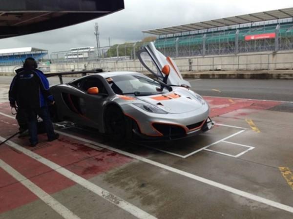 VdeV-2014-Mc-Laren-GT3-pour-Raceworks-Motorsport.