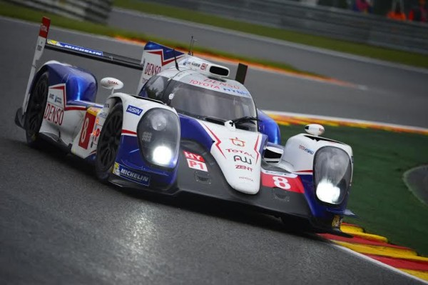 WEC-2014-SPA-La-TOYOTA-N°-8-Photo-de-Max-MALKA