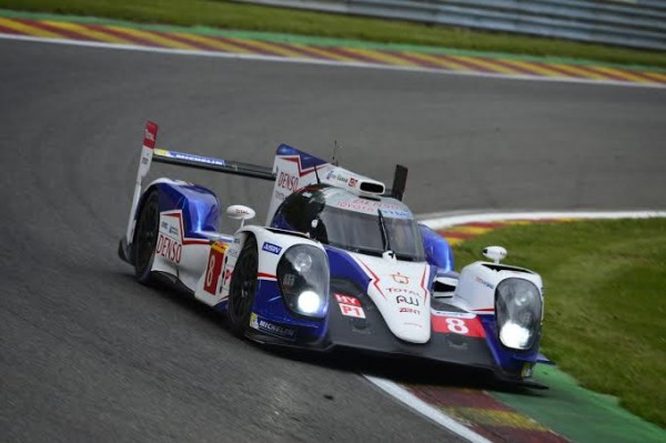 WEC-2014-SPA-La-TOYOTA-N°8-ou-la-grosse-attaque-Photo-Max-MALKA