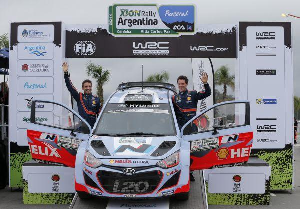 WRC-2014-ARGENTINE-La-HYUNDAI-i20-WRC-de-NEUVILLE-termine-a-une-belle-5éme-place-Photo-TEAM