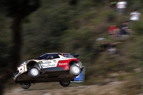 WRC-2014-ARGENTINE-MADS-OSTBERG-en-position-delicate