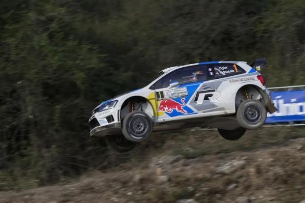 WRC-2014-ARGENTINE-Seb-OGIER-et-sa-POLO-VW
