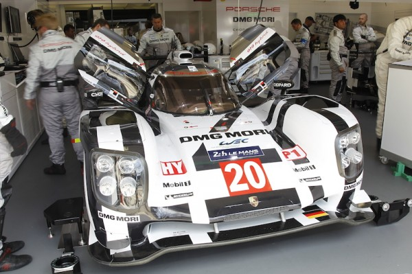 24 HEURES DU MANS 2014 - PORSCHE N° 20 au stand photo Thierry COULIBALY
